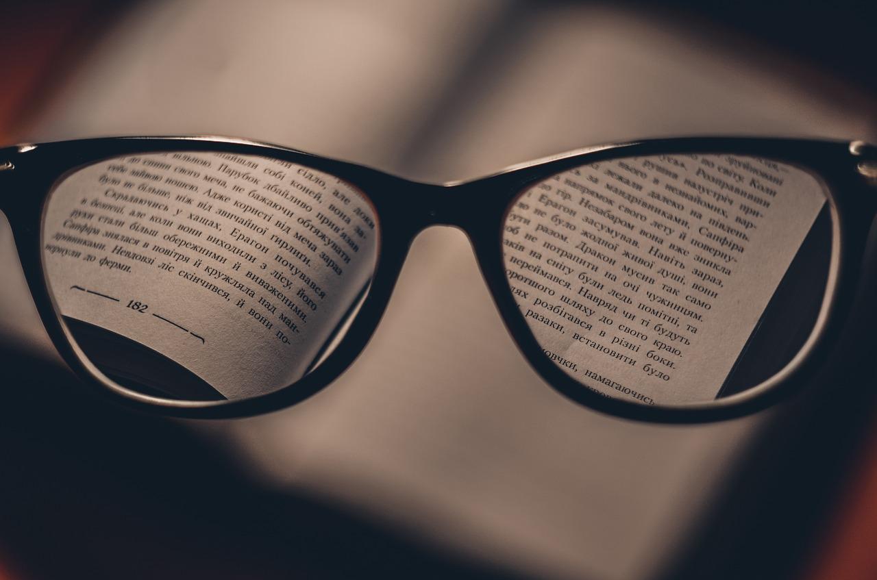Kvalitní brýle na čtení si vybírejte online